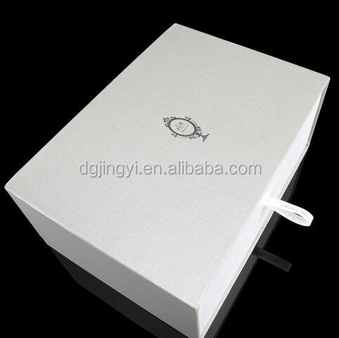 2017 White luxury classical paper drawer slide shoe packaging box in china
