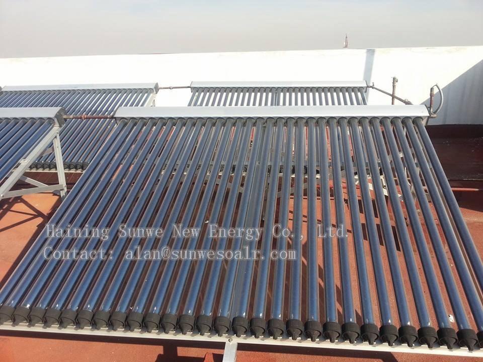 Heat pipe zonnecollector picthed dak dakpannen daalden dak 58 vacu m buis zonnecollectoren - Tub onder dak ...