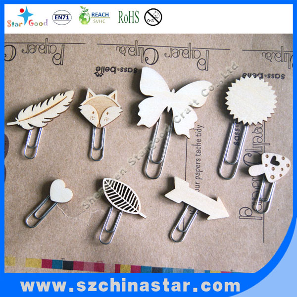 Top quality clip with wood pendant from gold supplier