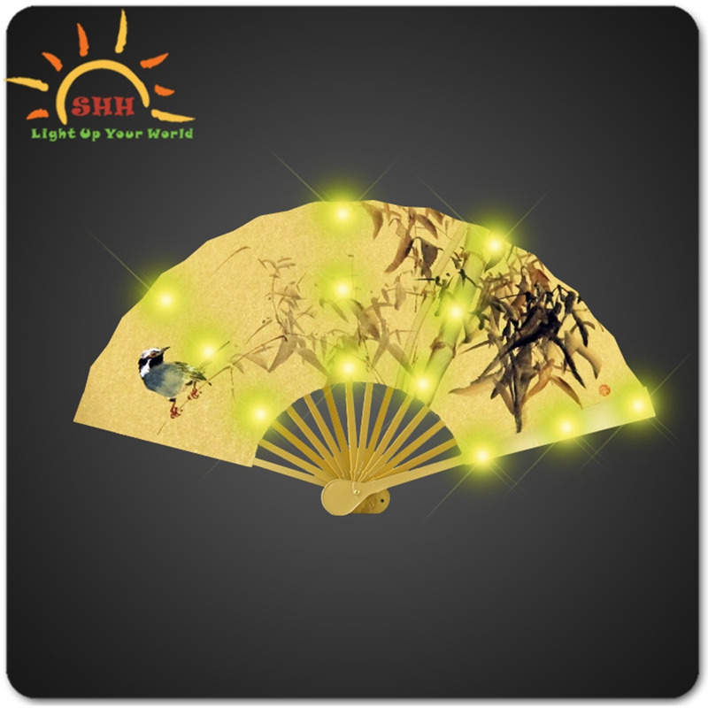 Fancy Chinese traditionele handgemaakte zijden craft led hand fan knipperende vouwen fan custom design