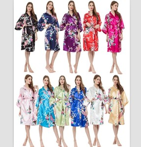 Wholesale women personalized Peacock Kimono silk satin robes for bridesmaid
