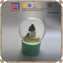 Wholesale Resin Snow Globe Country Style Snow Globe Holiday Promotion Snow Globe