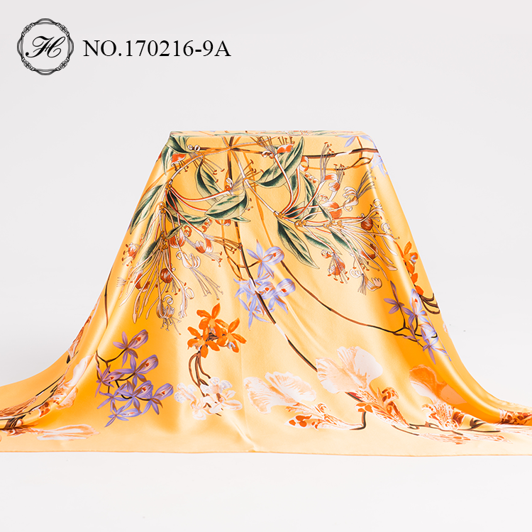 China Manufacturers Spring/Summer/Fall Ladies Scarf Floral Women Silk Scarves