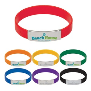 Top popular souvenir personalize gift soft rubber wristband laser logo rectangular plate silicone bracelet with metal clasp