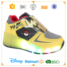 Carton cute Led children roller skate shoes with wheel