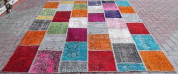 Multi color patchwork rug handmade from overdyed vintage - Tappeti turchi vintage ...