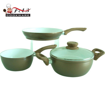 Wholesale authentic kitchen ceramic cookware set dessini with wooden paint handle
