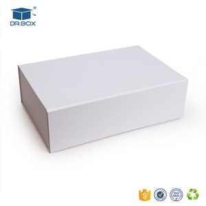 Luxury white apparel boxes/white box packaging/magnetic paper clothes box