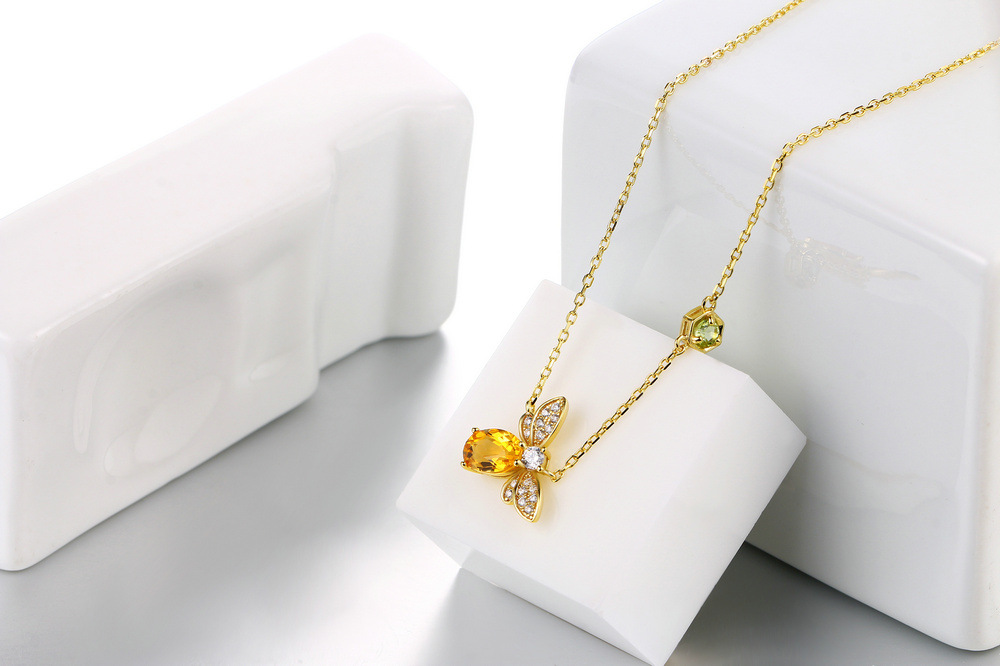 Small bee necklace natural citrine olivine stone necklace