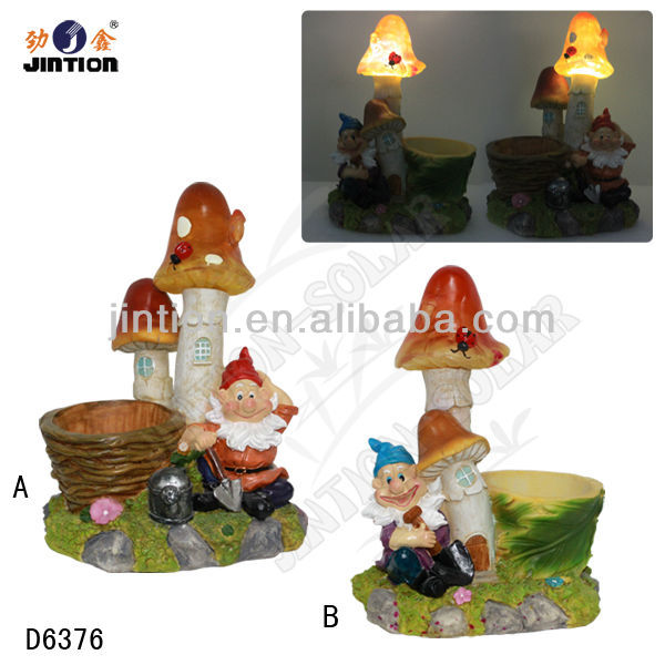 Solar Gnome Garden Light with Mushroom