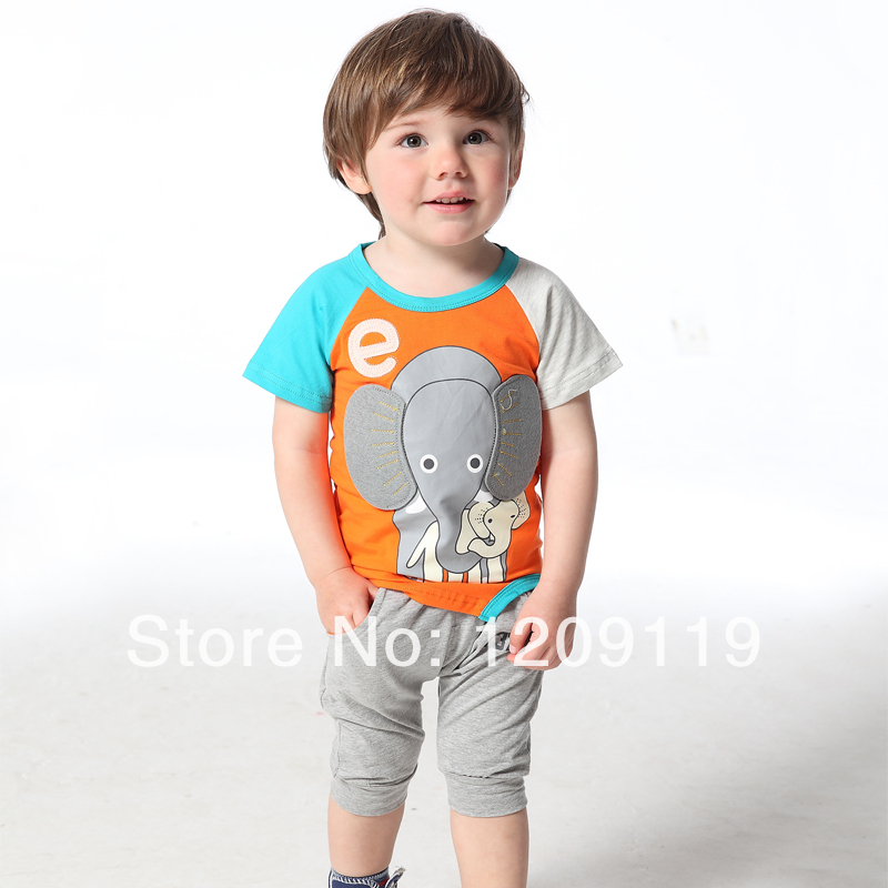 Size charts. With baby- and children clothing the body length is crucial for the size ordered. For the size of the socks the foot length is important, for the hat it will be the circumference of the head.