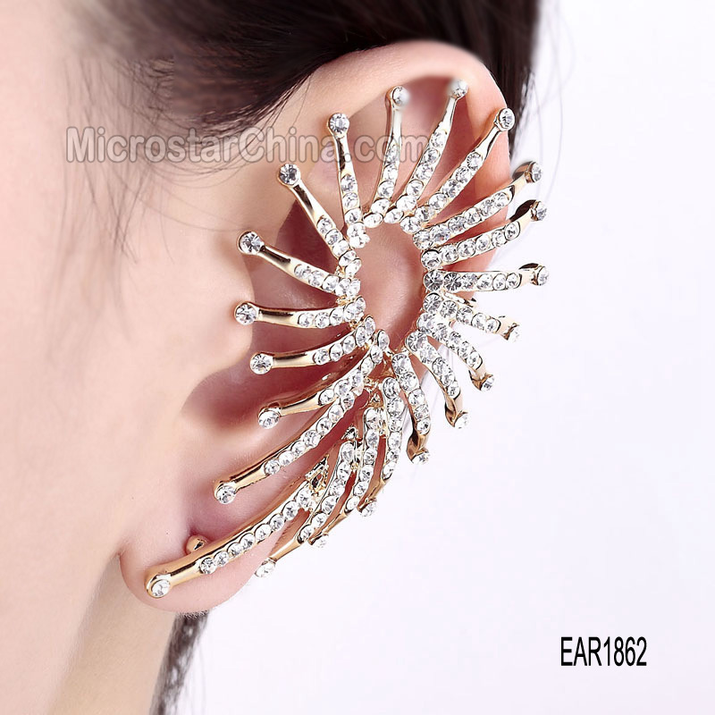 2015 Gold alloy punk new model earrings women leaf crystal diamonds hoop earrings