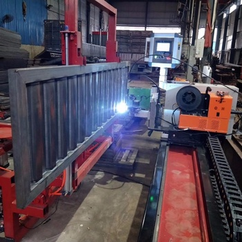 High Quality Automatic Corrugated Plate Welding Machine for Semi Trailer Side Wall Semi Auto Welding Machine