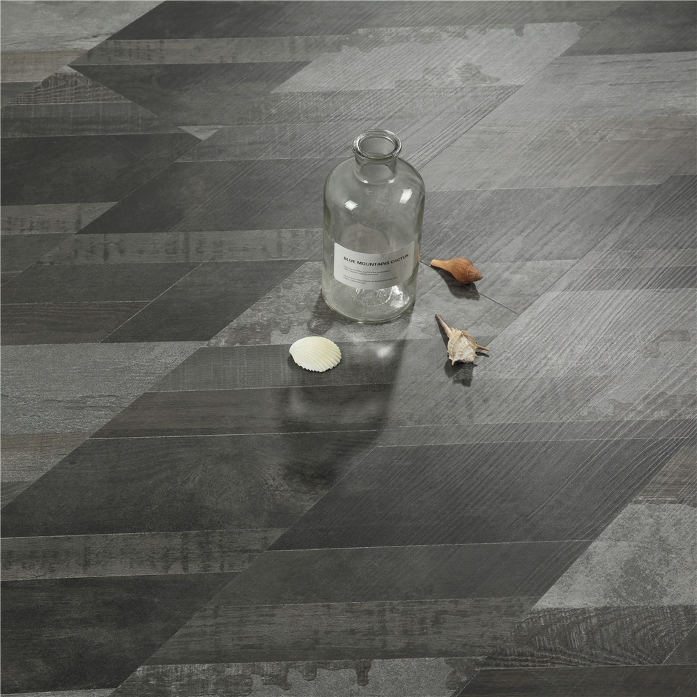 spc slip resistant Plastic easy click plank wood composite vinyl flooring in stock