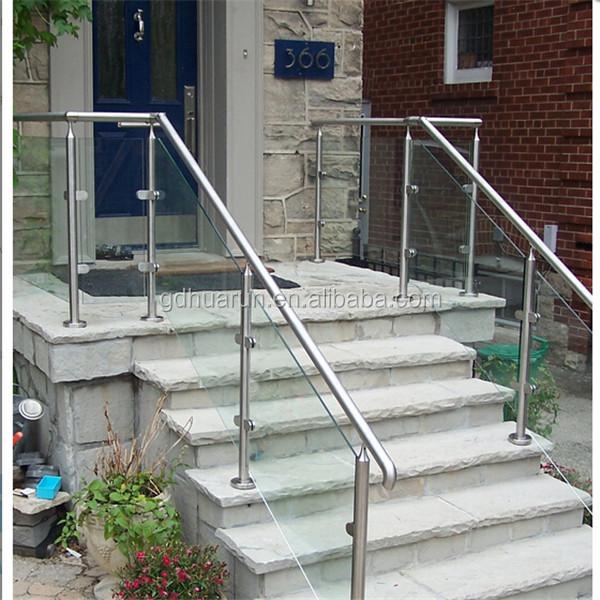 Moderno escaleras exteriores y barandillas de acero for Escaleras exteriores
