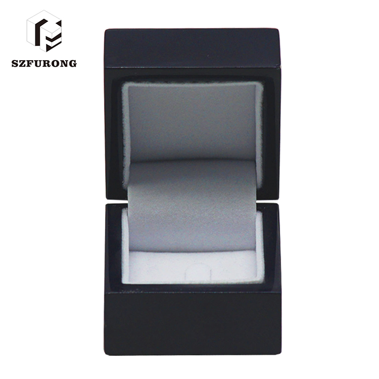Small Gift Luxury Round Wooden Boxes Wholesale For Jewelry Packaging