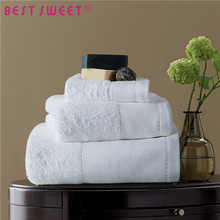 500g 70cm 140cm 100% Pakistan white rectangle cotton hotel bath towel with embroidered logo