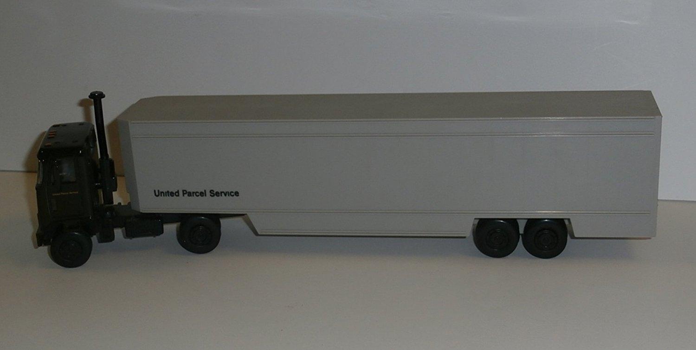 Buy United Parcel Service UPS 40-Foot Drop-Frame Feeder Truck 1:64 ...
