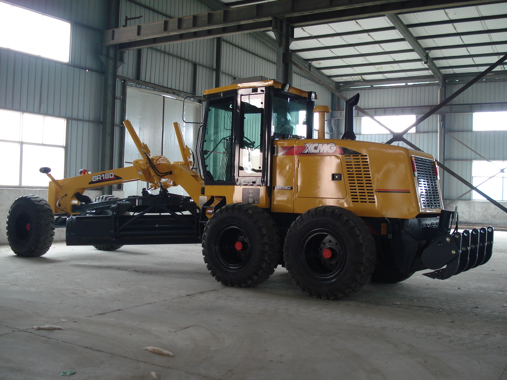 GR180 Bigbund Official 180HP New Type Engine Power Motor Grader