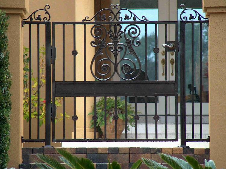 spear top house gate designs pictures