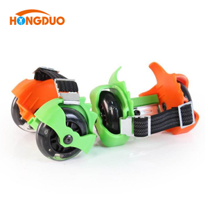 Adjustable flash wheel roller skate shoes