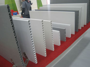 Pvc Panel Hollow Planking Fence Divider Farrowing Crate