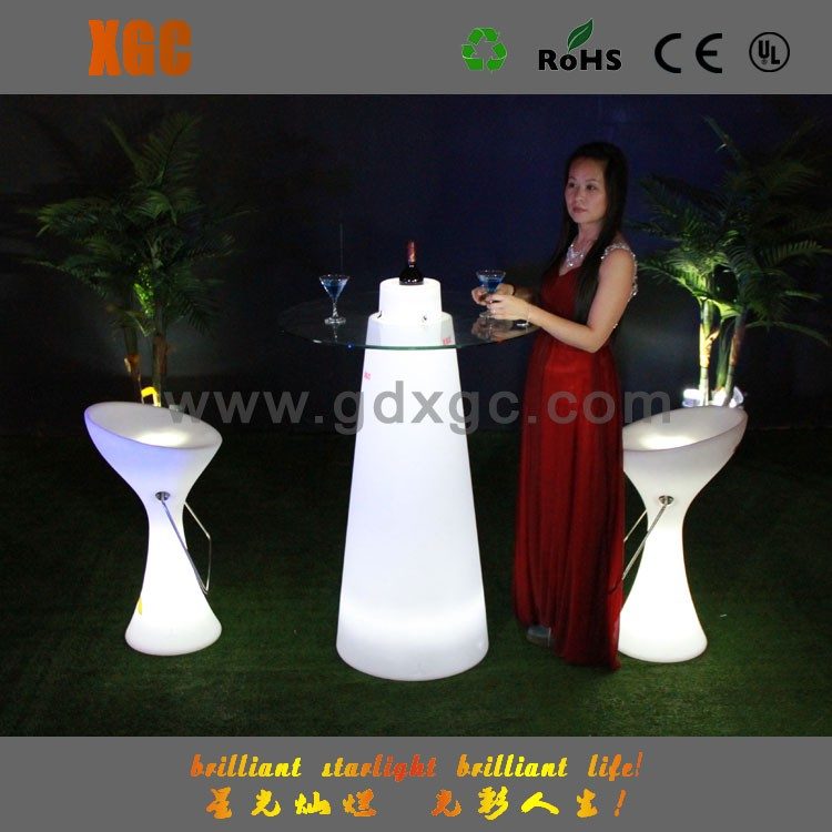 Nightclub bar plastic furniture LED cocktail table with glass top