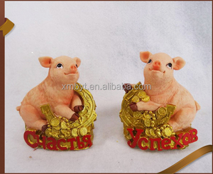 Wholesale Home Decor Cute Pig Statues Resin Pigs Figurine cheap price