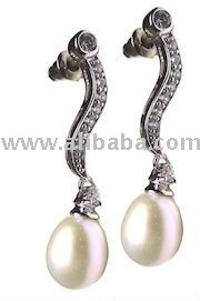Fresh Water Pearl White with CZ set in 925 Sterling Silver