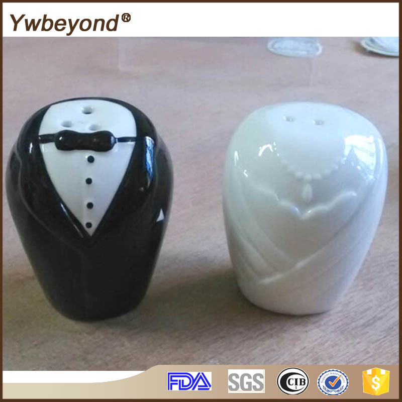 Wholesale Ywbeyond Gift for Newly Married Couple ceramic Spice jar cruet set bride and groom salt and pepper shaker
