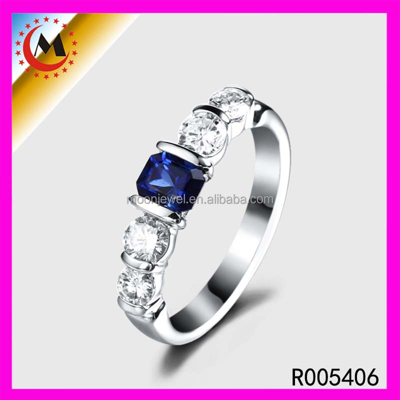 Hot sale Classic Big Square Crystal Ring White Gold Plated AAA zircon crystal fashion rings for women Fashion Jewelry