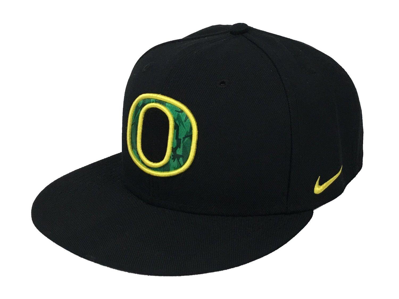 e09f5e03dd5 Get Quotations · Oregon Ducks Snapback Black Pioneers 33 Green Rare Nike Hat  Cap