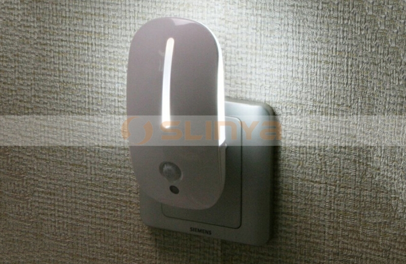Licht En Bewegingssensor : Bewegingssensor geleid nachtlampje plug in licht gebruikt voor