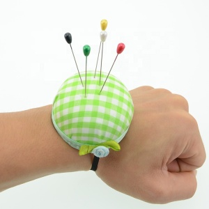 Wearable Attached with Wrist Strap Sewing Needle Pin Cushions