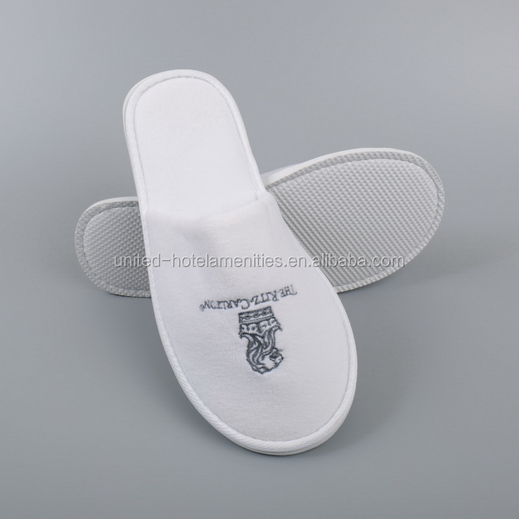 Durable service good brand men's velvet hotel slippers sandals