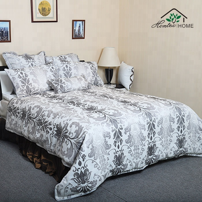 New Arrival Luxury 100%Polyester Jacquard 3D Looking Bedding Set / comforter set