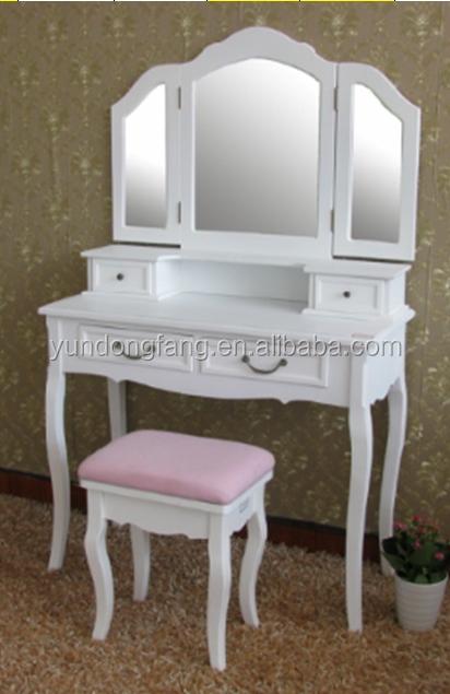 Vanity Table With Lighted Mirror Buy Bedroom Vanity Table Vanity Dressing T