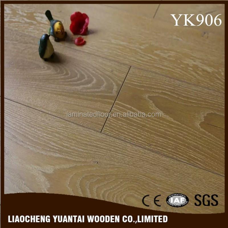 12mm Light Oak Laminate Flooring Handscraped Cheap Interior Flooring