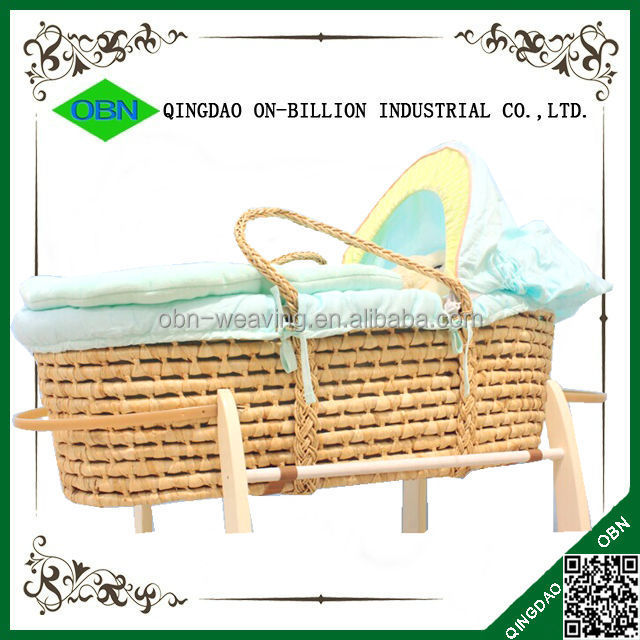 Natural material maize handmade baby carry baby moses basket