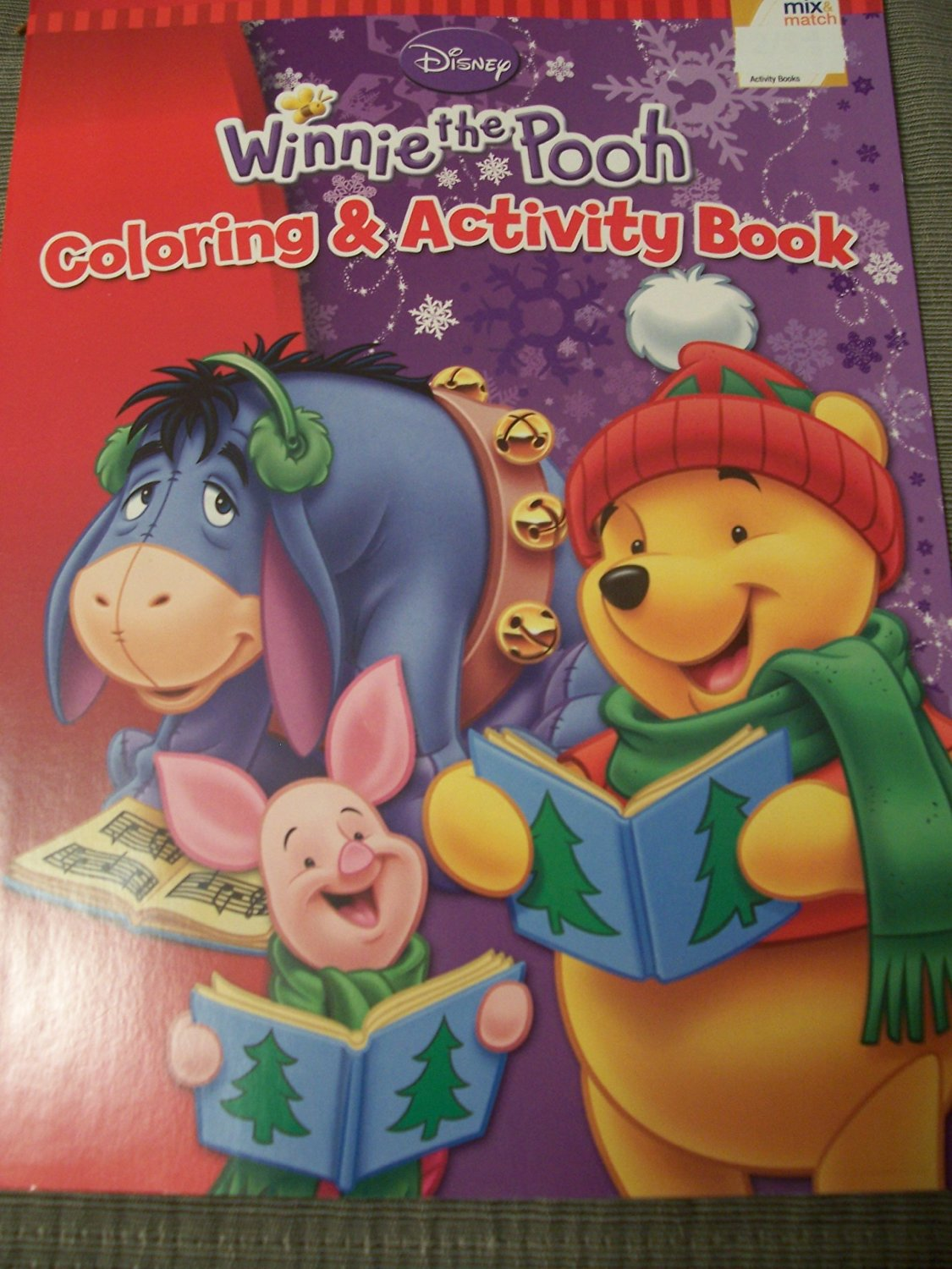 Disney Winnie the Pooh Coloring & Activity Book ~ Christmas Edition (Eeyore, Pooh, Piglet Caroling)