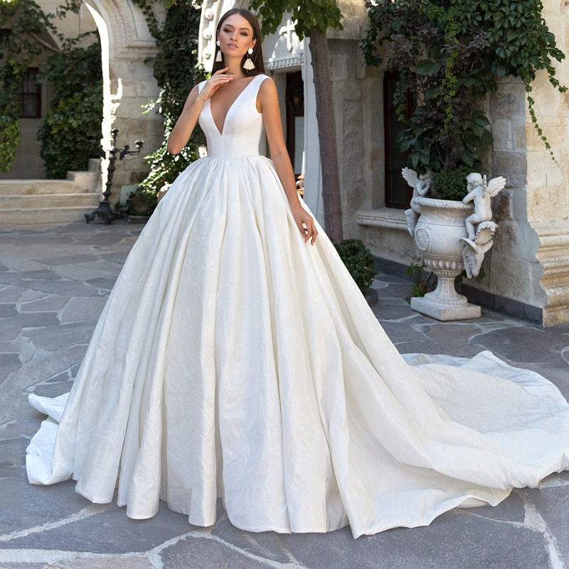 7581efb0595 Elegant Fl Satin Wedding Dress Deep V-Neck Bridal Ball Gown with Back Bow  2019