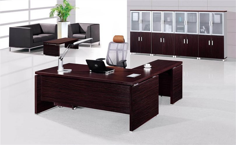 Managing office furniture director 39 s table design for Office table 3d design