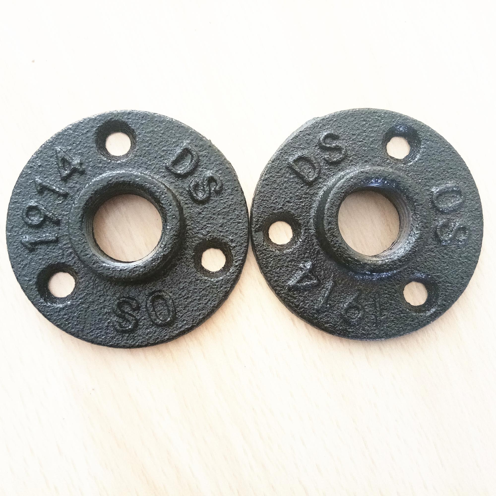 Customized black floor flange malleable iron threaded pipe fitting 1/2 and 3/4 inch for Toilet paper holder