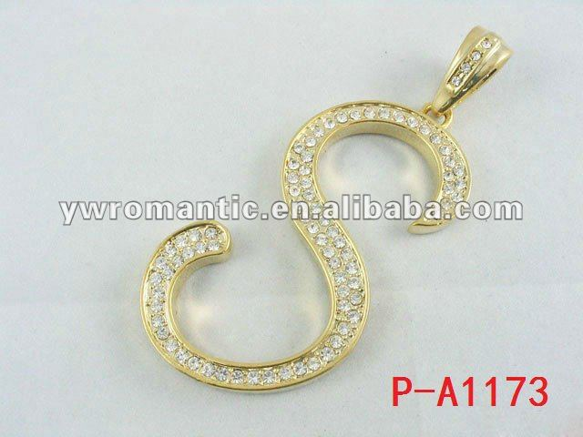 2012 fashion alphabet diamond pendant