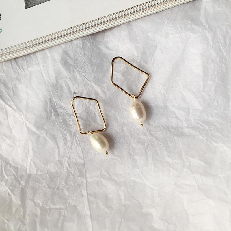 Temperament Female Jewelry 925 Ear Pin Creative Fashion Gold Plated Metal Irregular Geometric Pearl Pendant Earrings For Girl