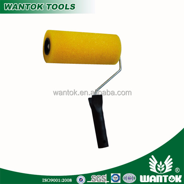 WT0306605 China plastic handle paint roller and painting brush