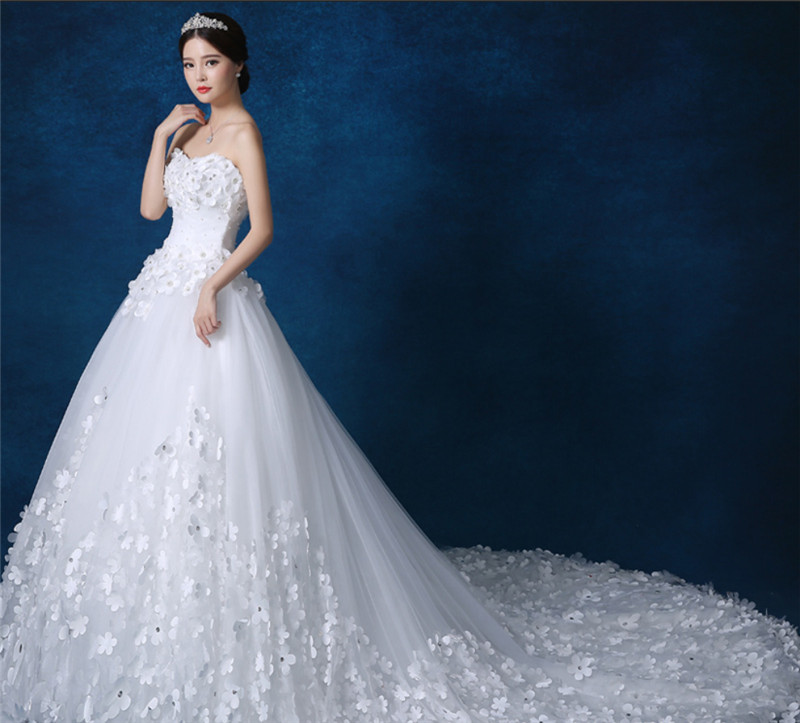Vestidos de novia con adornos