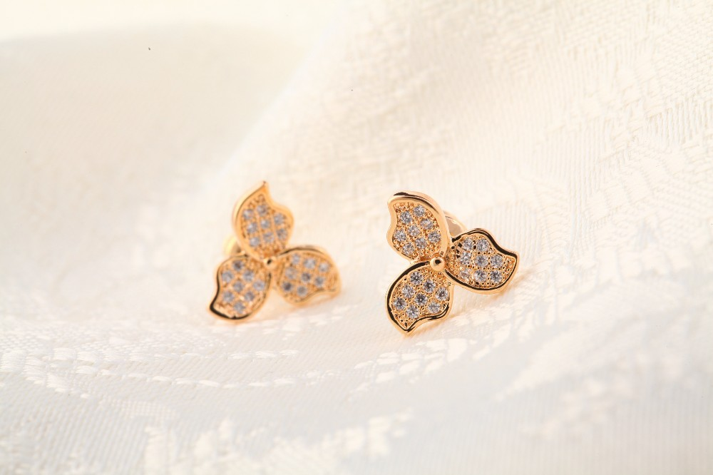 gold earring images