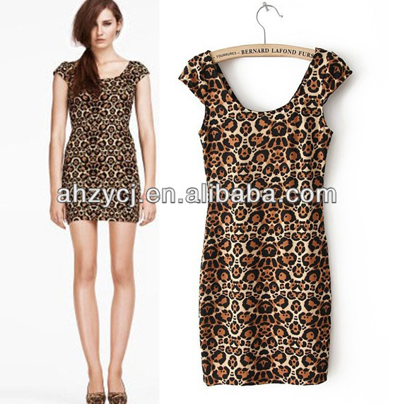 eba44967bc2de ملابس النساء أزياء جديدة قصيرة الأكمام اللباس النمر مثير فستان الشمس ...