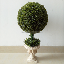 Artificial Topiary Boxwood Ball Tree For Christmas Decoration